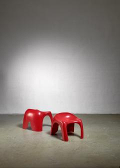 Stacy Dukes Pair of red polyester Stacy Dukes stools 1960s - 1138594