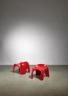 Stacy Dukes Pair of red polyester Stacy Dukes stools 1960s - 1138595