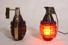 Stan Usel Pair of Sconces grenade by Stan Usel in solid bronze and red glass paste - 784960
