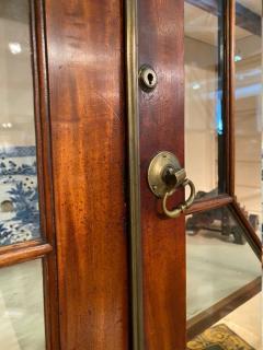 Stunning George III mahogany breakfront - 1387377