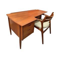 Stylish Danish Desk In Teak 1950s - 1529660