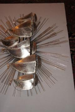 Sunburst Shaped Moderne Wall Sculpture Sconce - 658838