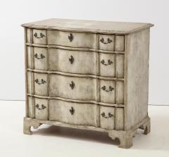 Swedish Serpentine Commode - 1582986