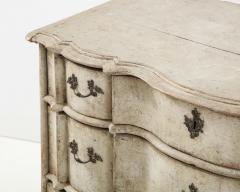 Swedish Serpentine Commode - 1582987