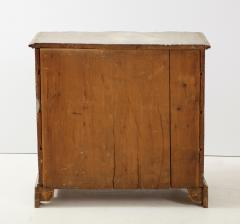 Swedish Serpentine Commode - 1582989