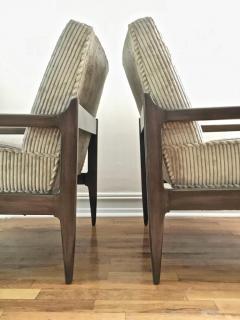 T H Robsjohn Gibbings Pair T H Robsjohn Gibbings Style Hand Grained Walnut Lounge Chairs - 1760604