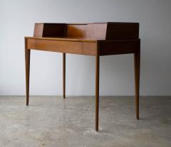 T H Robsjohn Gibbings T H Robsjohn Gibbings Desk for Widdicomb in Mahogany with Sabre Legs 1950s - 1910051
