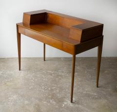 T H Robsjohn Gibbings T H Robsjohn Gibbings Desk for Widdicomb in Mahogany with Sabre Legs 1950s - 1910059
