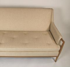 TH Robsjohn Gibbings Exquisite Sofa Designed by T H Robsjohn Gibbings for Widdicomb - 777293