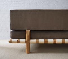 TH Robsjohn Gibbings Model 1711 Sofa - 785200