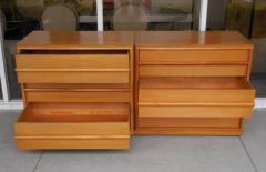 TH Robsjohn Gibbings Robsjohn Gibbings Pair of Cabinets Bedside Tables - 605818