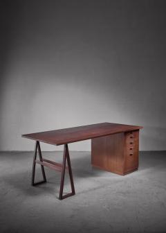 Teak veneered desk Sweden - 1225156