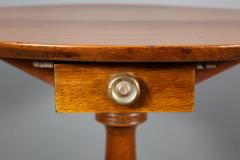 Thomas Chippendale Chippendale Walnut and Mahogany Tripod Table - 735214