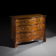Thomas Chippendale George III Serpentine Chest of Drawers attributed to Thomas Chippendale - 1043509
