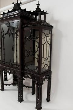 Thomas Chippendale Pair of 19th Century Chinese Chippendale Pagoda Cabinets - 601066