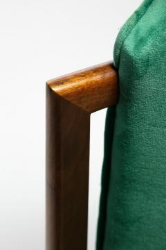 Tommi Parzinger Set of 8 Tommi Parzinger Style Dining Chairs in Green Velvet with Walnut Frames - 2101321