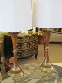 Tony Paul A Shapely Pair of American Mid century Walnut and Brass Hour glass shaped Lamps - 1291655