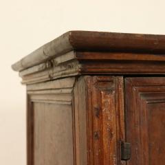 Tuscan Four Door Walnut credenza Circa 1640 - 905891