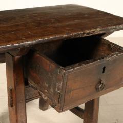 Tuscan occasional table circa 1820 - 907983