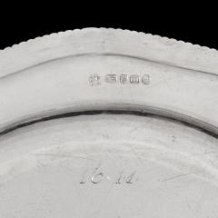 Twelve dinner plates from Admiral Lord Bridport s seagoing silver service 1785 7 - 1397900