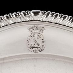 Twelve dinner plates from Admiral Lord Bridport s seagoing silver service 1785 7 - 1397901
