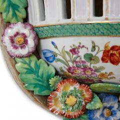 Two Meissen style decorative porcelain wall brackets - 1459519