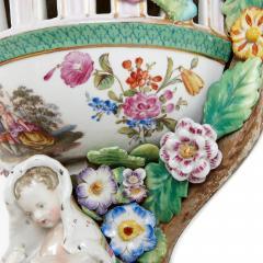 Two Meissen style decorative porcelain wall brackets - 1459521
