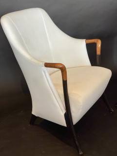 Umberto Asnago Pair Italian Modern Walnut Ebonized Club Chairs Umberto Asnago for Giorgetti - 1357107