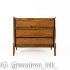 United Mid Century 3 Drawer Dresser Chest - 1869321