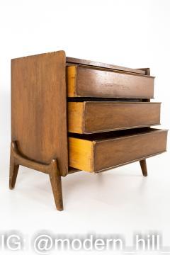 United Mid Century 3 Drawer Dresser Chest - 1869324