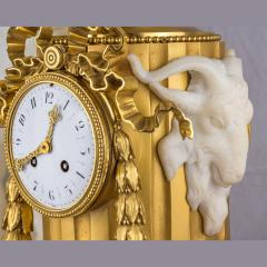 Very Fine Quality French Ormolu and White Marble Winged Cherub Clock - 2034498