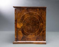 Very Rare William and Mary Oyster Veneered Small Table Cabinet - 934683