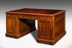 Victorian mahogany antique pedestal desk - 825301