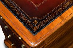 Victorian mahogany antique pedestal desk - 825304