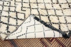 Vintage Mid Century Beni Ouarain Moroccan Rug - 338318