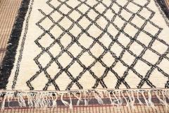 Vintage Moroccan Beni Ouarain of White Rug - 338309