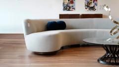 Vladimir Kagan Impressive Sofa in Grey Alpaca Velvet by Vladimir Kagan - 1874958