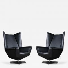 Voitto Haapalainen Pair of Voitto Haapalainen Prisma Lounge Chairs - 184951