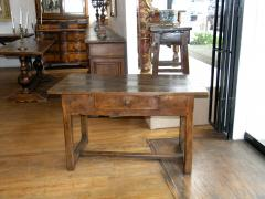 Walnut occasional table Circa 1840 - 1018985