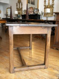Walnut occasional table Circa 1840 - 1018990