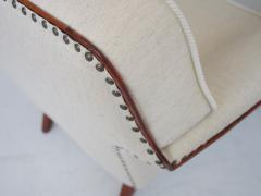 White Armchair with Stained Beech Legs and Stud Decorations - 1188133