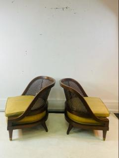William Billy Haines MID CENTURY PAIR OF CANE WOOD AND BRASS CHAIRS IN THE MANNER OF BILLY HAINES - 2046939