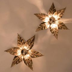 Willy Daro One of the Two Willy Daro Style Brass Flowers Wall Lights by Massive Lighting - 1337016