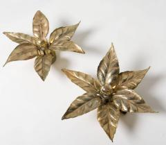 Willy Daro One of the Two Willy Daro Style Brass Flowers Wall Lights by Massive Lighting - 1337017