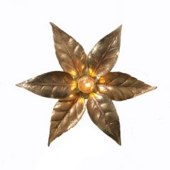 Willy Daro One of the Two Willy Daro Style Brass Flowers Wall Lights by Massive Lighting - 1337018