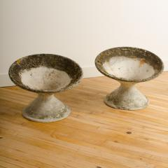 Willy Guhl A pair of Willy Guhl disc form concrete planters circa 1970 - 1661155