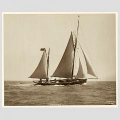 Yacht Palatina early silver photographic print by Beken of Cowes - 812920