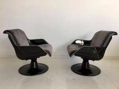 Yrjo Kukkapuro Pair of Yrjo Kukkapuro Swivel Lounge Chairs Model 3814 1KF - 1220323