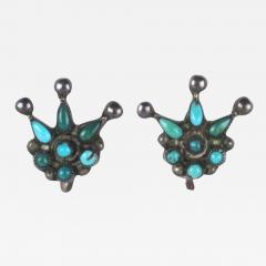 Zuni petit point earrings in style of a crown - 1324035