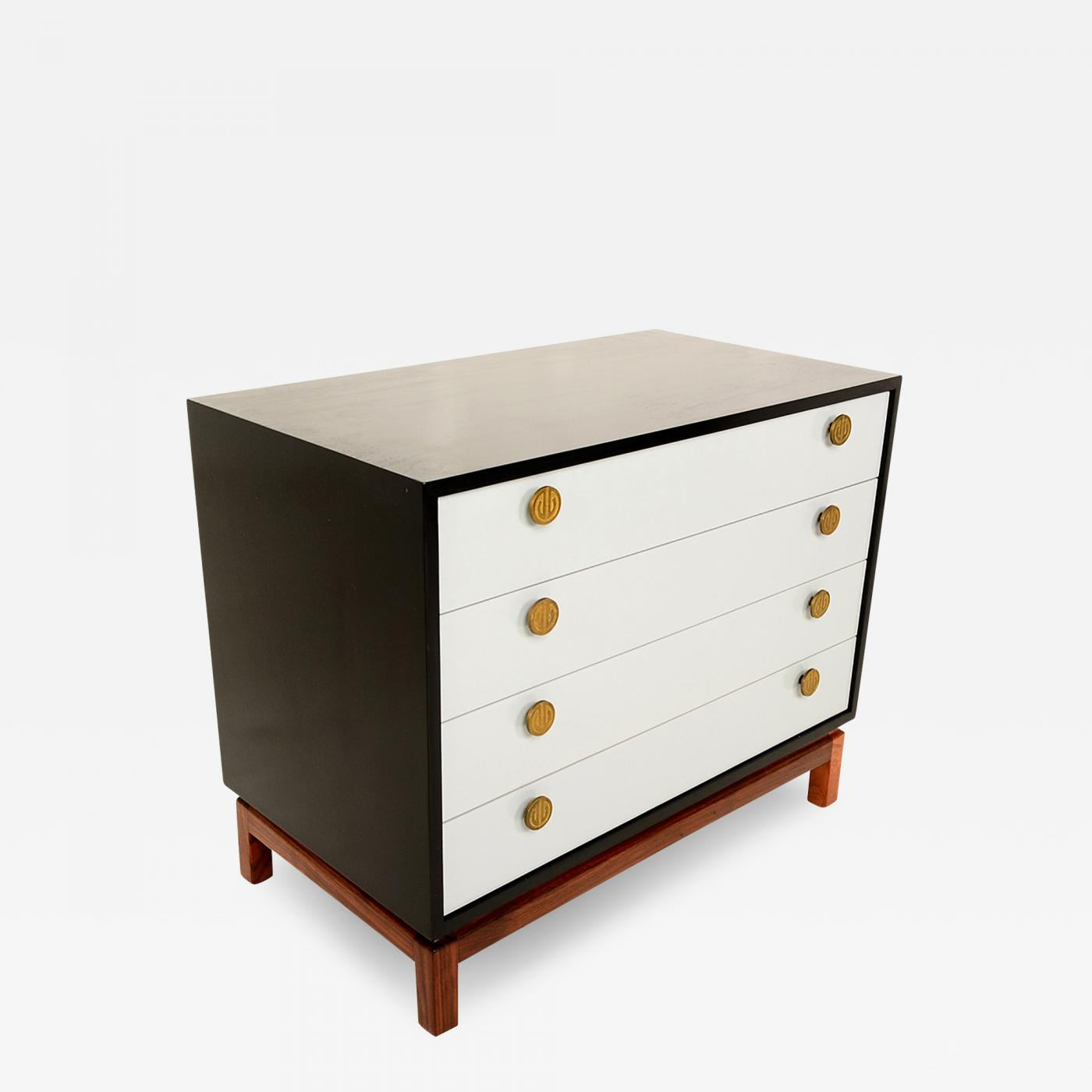 Image of: Cal Mode Mid Century Modern Cal Mode Dresser Walnut Wood With Brass Pulls